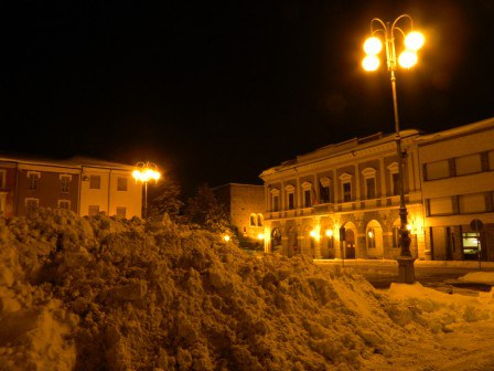 Piazza-Farini_imagelarge.jpg