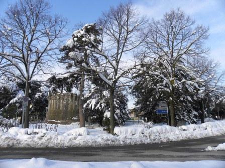 Torrione-e-giardini-pubblici_imagelarge.jpg