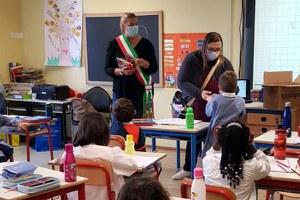 Scuola: quaderni donati dal Comune alle prime classi di scuola primaria